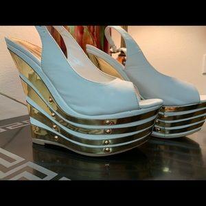 New Alba White & Gold Wedge Heels Size 10...